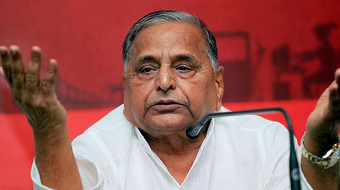 Not floating new party now, says Mulayam