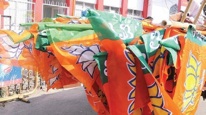 BJP wins majority of Gujarat municipalities but share comes down